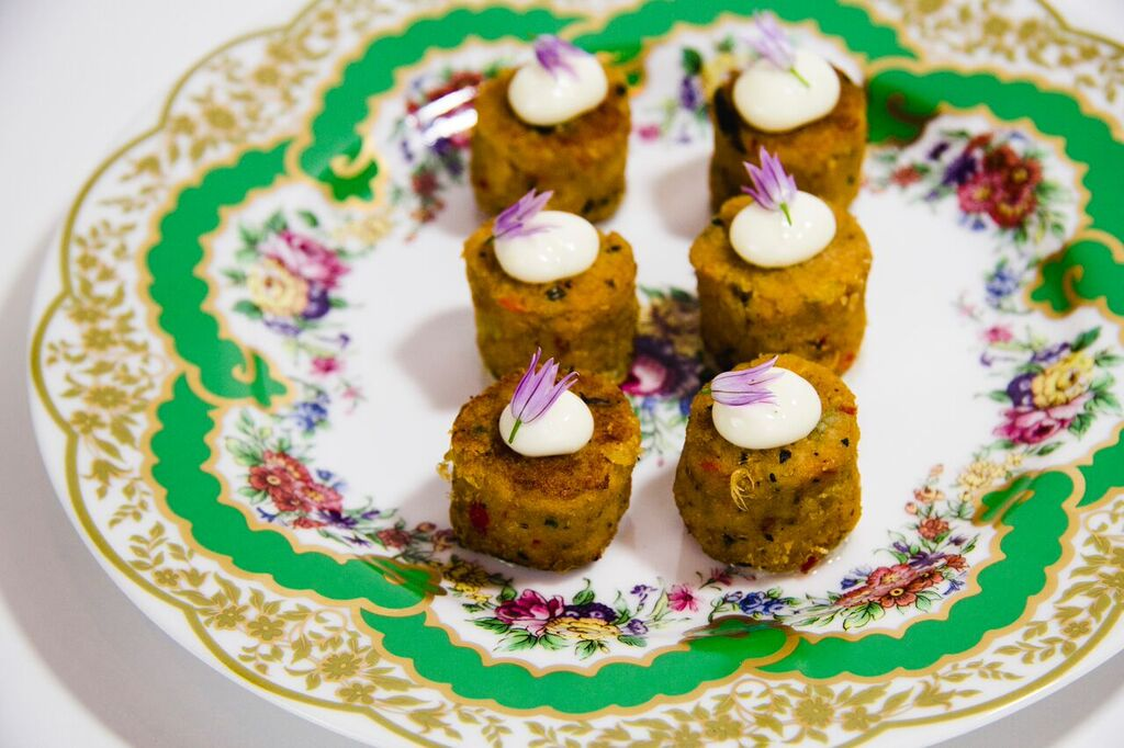 holiday party mini crab cakes