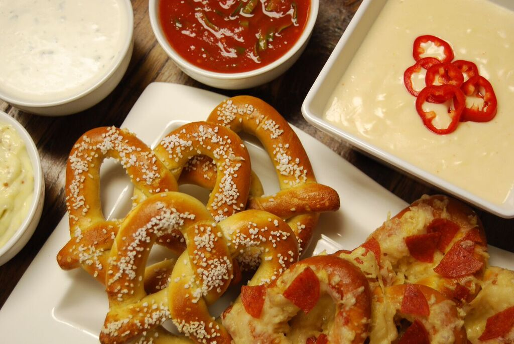 basketball pretzels and dip