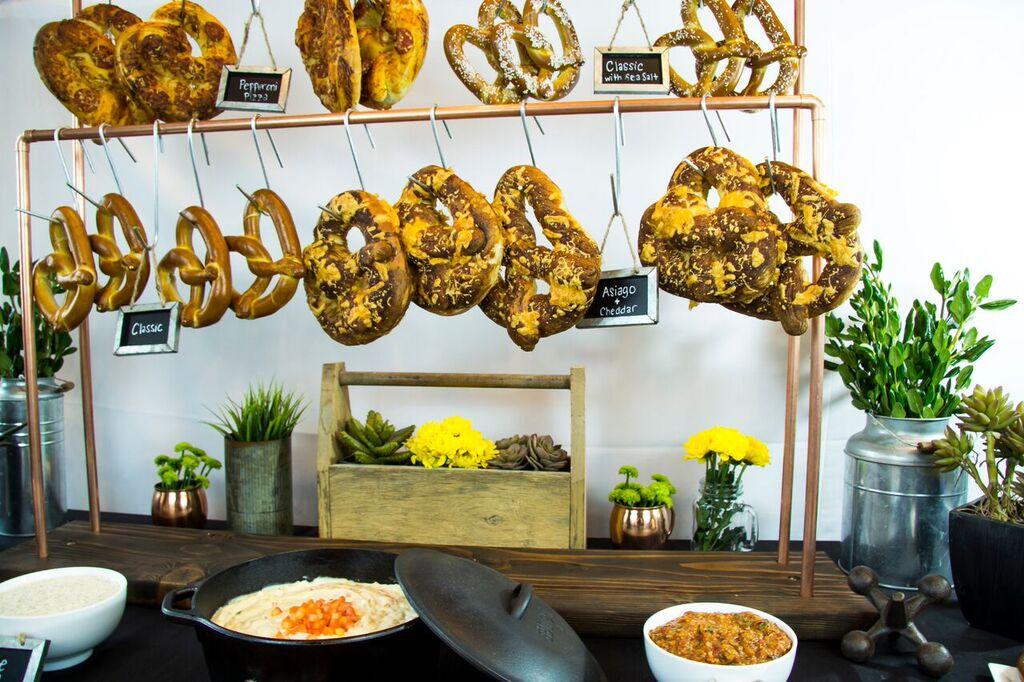 pretzel - street food